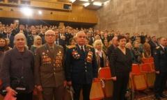 Александр Наумов поздравил ветеранов и военнослужащих Красной Армии (23.02.2015)