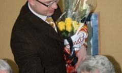 Коммунисты Раменского поздравили женщин с праздником (11.03.2015)