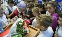 Черноголовка: встреча учеников школы №82 им. Ф.И. Дубовицкого с ветераном ВОВ (01.04.2015)