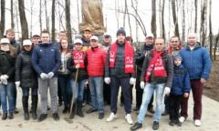 В Снегирях началась реконструкция памятников Ленину (28.04.2015)