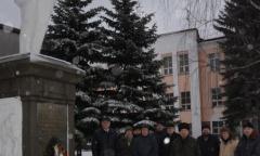 Коммунисты Ногинского ГК КПРФ возложили цветы к памятнику В.И. Ленина (23.02.2020)