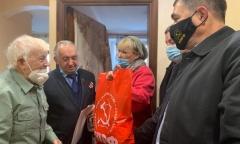 Коммунисты Королёва поздравили ветерана - участника битвы под Москвой (05.12.2020)