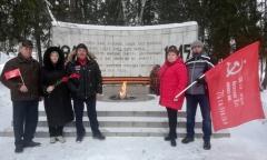 Серпуховские коммунисты почтили память солдат (21.02.2021)