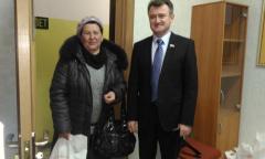 Помощь депутата-коммуниста многодетным семьям подмосковного Щелково (31.03.2016)