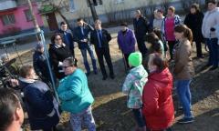 Молодые мамы Коломны обратились за помощью к депутату Госдумы А.Ю. Русских (12.04.2016)