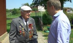 Алексей Русских помог ветерану напечатать мемуары о войне (19.07.2016)