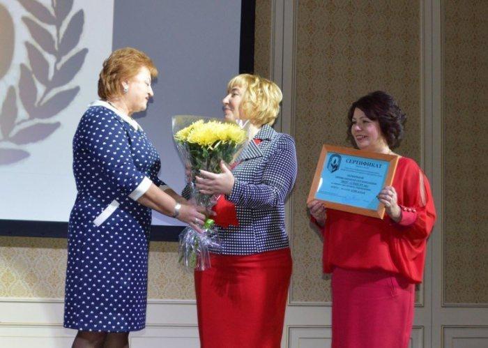 Михаил Леонтьев поздравил коллектив Серпуховской школы № 16 с 50-летним юбилеем (16.10.2015)