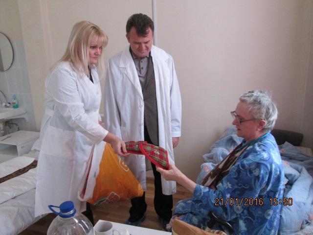 Коммунисты посетили Фряновскую больницу с акцией «Доброе сердце» (16.01.2016)