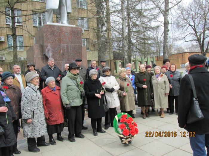 Можайские коммунисты почтили память В.И. Ленина (22.04.2016)
