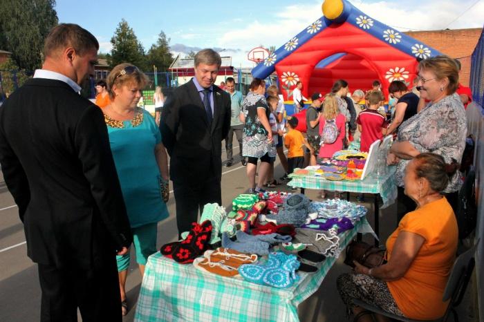 Алексей Русских поздравил жителей Новолотошино и Микулино (13.08.2016)