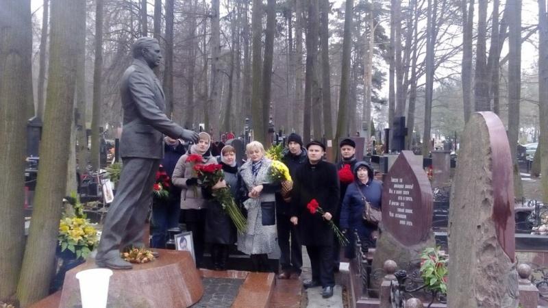 Всероссийская акция «цветы для Виктора Илюхина - 2017» (19.03.2017)