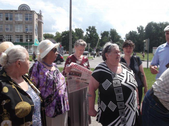 Черноголовка протестует: верните бесплатный проезд!