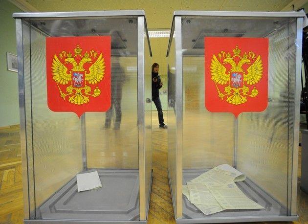 В Серпухове агитируют перед УИКами, в Красково жители признались в досрочном голосовании за деньги