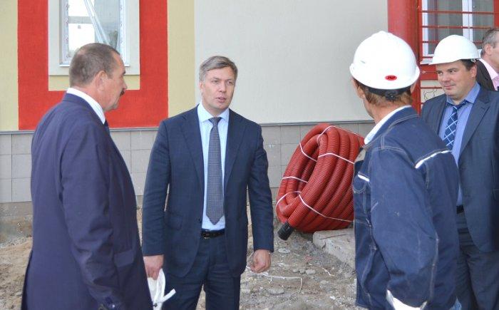 Алексей Русских проинспектировал строительство социальных объектов в Зарайском районе