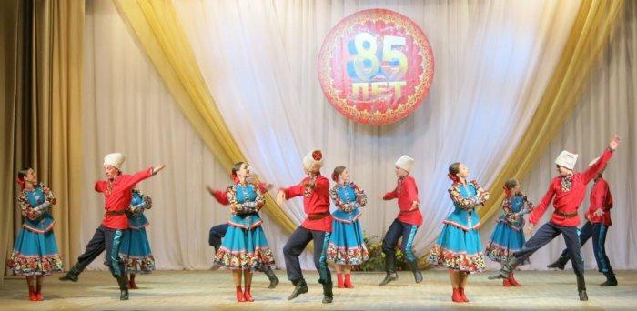 Михаил Леонтьев поздравил Губернский профессиональный колледж с 85-летием!