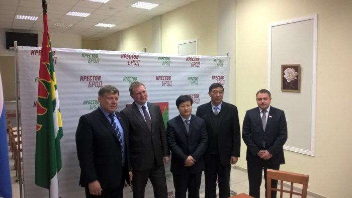 Депутат Емельянов встретился с делегацией из Китая