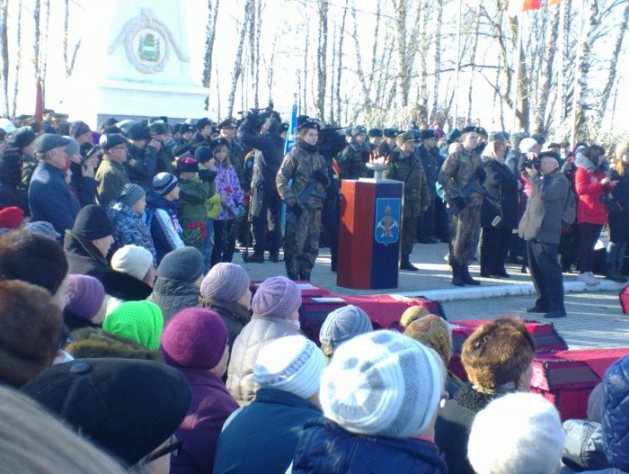 Подольские коммунисты и комсомольцы почтили память погибших красноармейцев