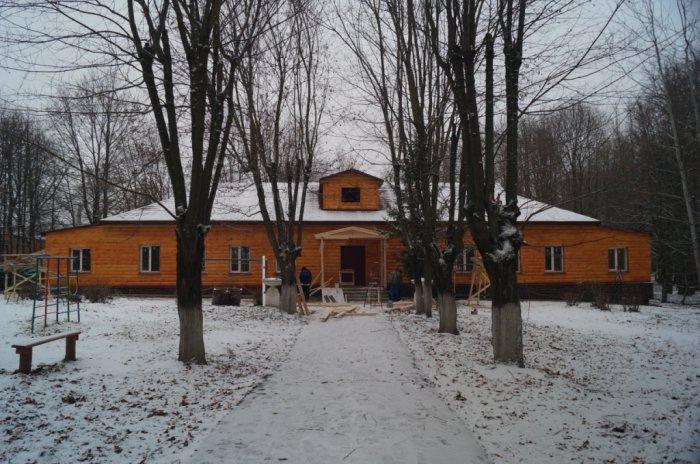 Александр Галдин проинспектировал ход ремонта лотошинского «Дома детского творчества»