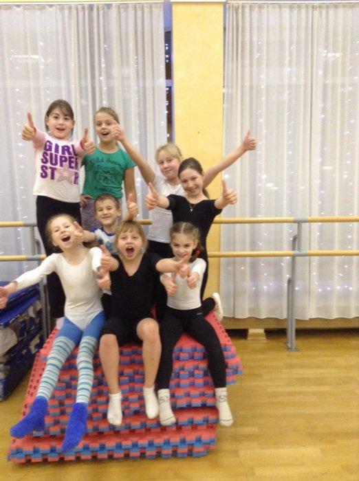 Подольские коммунисты под руководством депутата Мособлдумы Александра Наумова помогли детской цирковой школе «Браво»