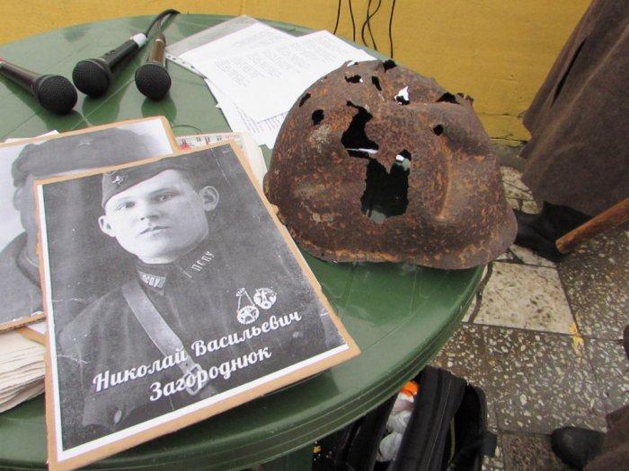 Праздничный митинг ко дню рождения Сталина