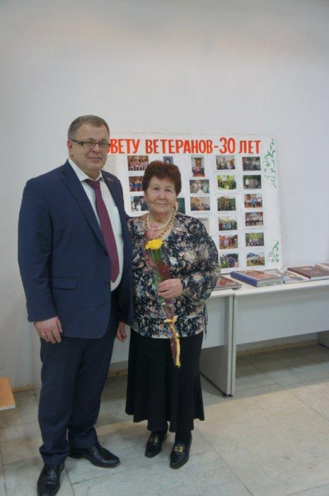 Александр Наумов поздравил Совет ветеранов микрорайона Авиационный