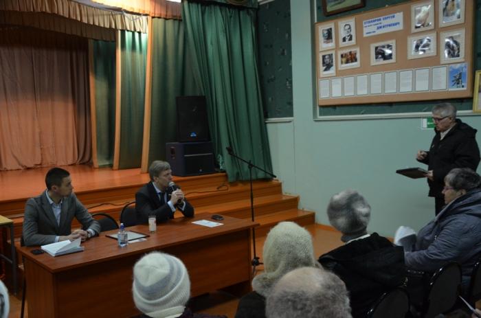 «Пути выхода из кризиса нужно искать в программе КПРФ»: Алексей Русских встретился с жителями Серебряных Прудов