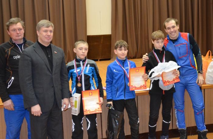 «Даешь лыжню»: депутат Госдумы А.Ю. Русских наградил победителей лыжных гонок в Воскресенске