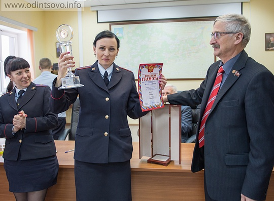 Александр Галдин наградил участниц конкурса «Автоледи-2016»