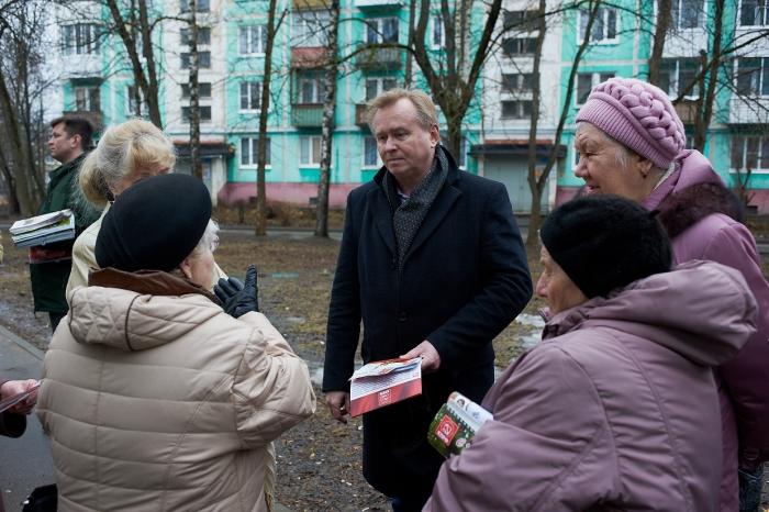 Коммунисты встретились с жителями поселка Ферма Сергиево-Посадского района