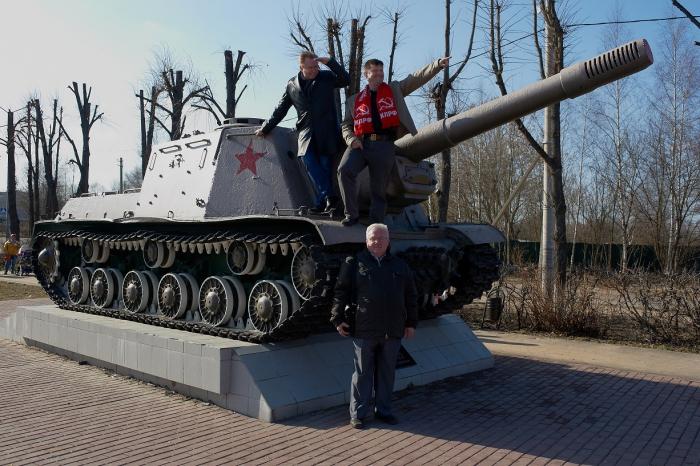 Александр Голуб и Денис Ахромкин встретились с жителями Красноармейска
