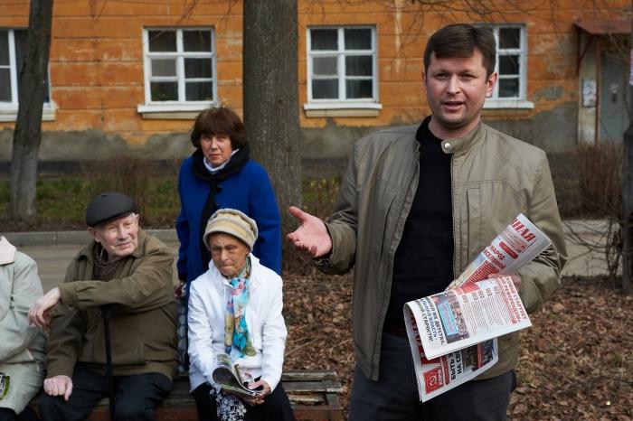 Прошли встречи коммунистов с жителями микрорайонов Ферма и Птицеград