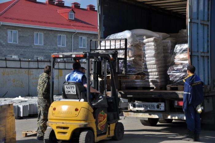 Коммунисты отправили 54-ый гуманитарный конвой в Новороссию