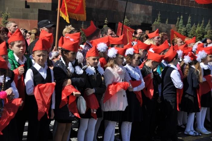 Торжественная линейка посвященная дню Пионерии прошла на Красной площади