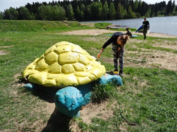 В Сергиевом Посаде на пляже озера Лесное прошёл большой субботник