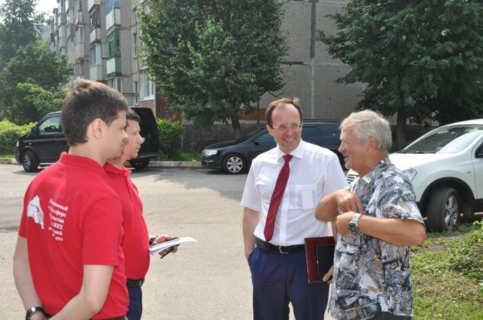Виталий Фёдоров совместно с общественниками встретился с жителями Воскресенска и активистами Зарайска