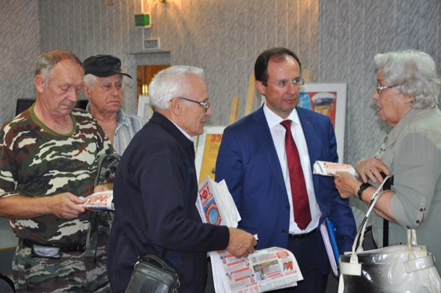 Виталий Фёдоров встретился с жителями Серебряных Прудов