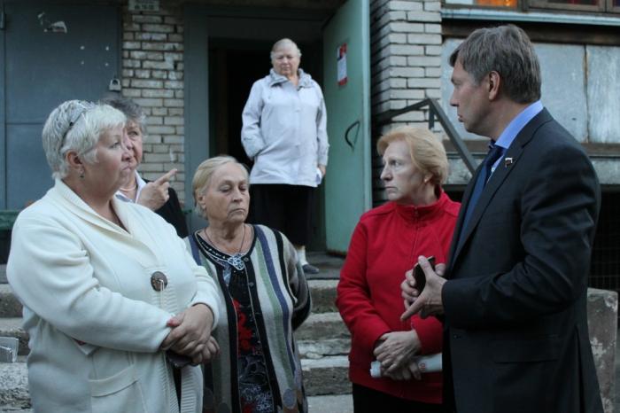Алексей Русских решает проблемы жителей Подмосковья