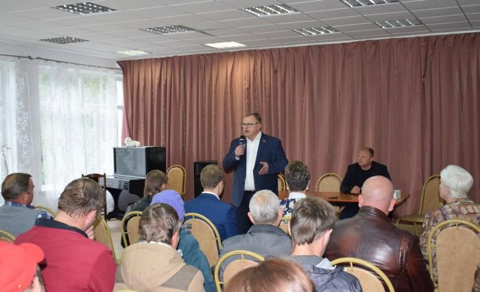 Встречи кандидата в депутаты Московской областной Думы от КПРФ Александра Наумова с жителями Оболенска