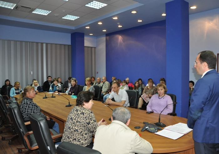 Виталий Фёдоров встретился с сотрудниками РСК «МиГ» в Луховицах