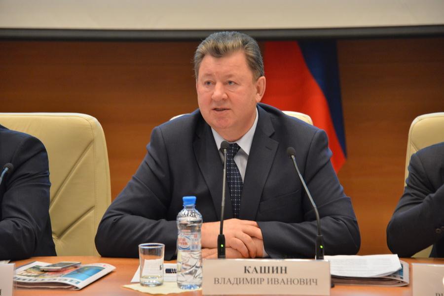 «В условиях санкций, терроризма очень важно проявлять сплочение и единство». В.И. Кашин выступил на встрече с В.В. Путиным