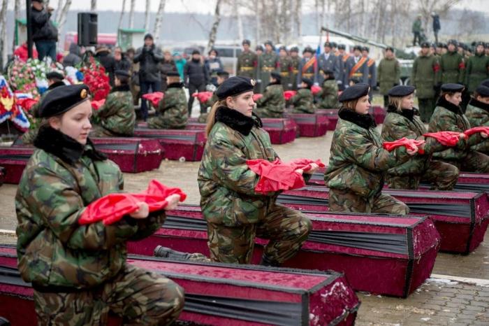 Подольские коммунисты-поисковики приняли участие в закрытии Вахты памяти 2016