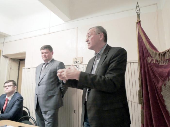 Глава городского округа Коломна встретился с коммунистами Коломны