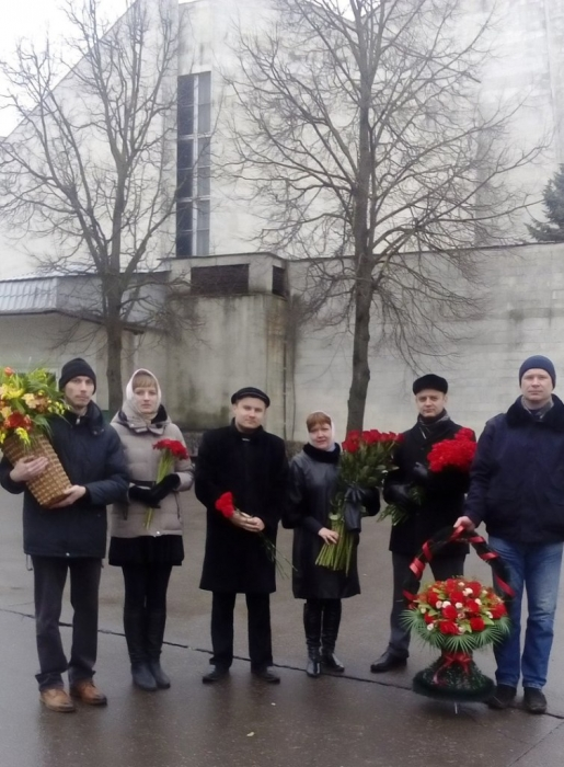 Всероссийская акция «цветы для Виктора Илюхина - 2017»