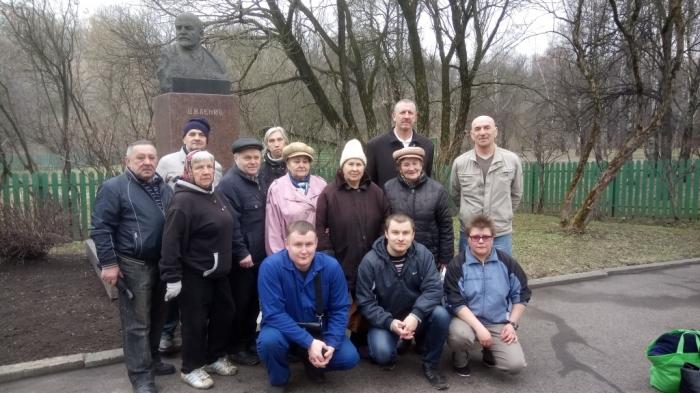 Подольские коммунисты провели субботник в музее-заповеднике Подолье «Домик Ленина»