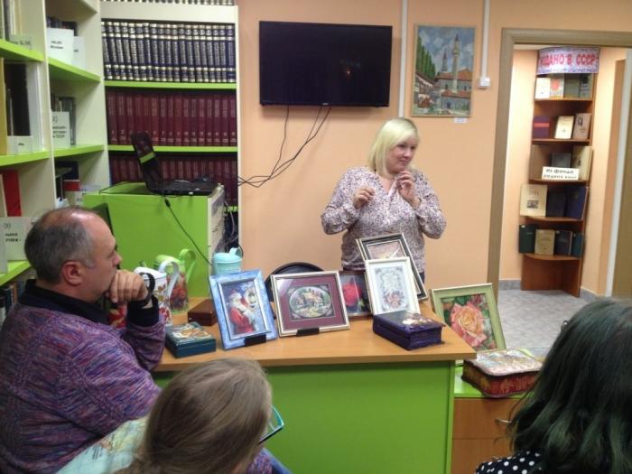 Подольские коммунисты приняли участие во всероссийской акции «Библионочь-2017»