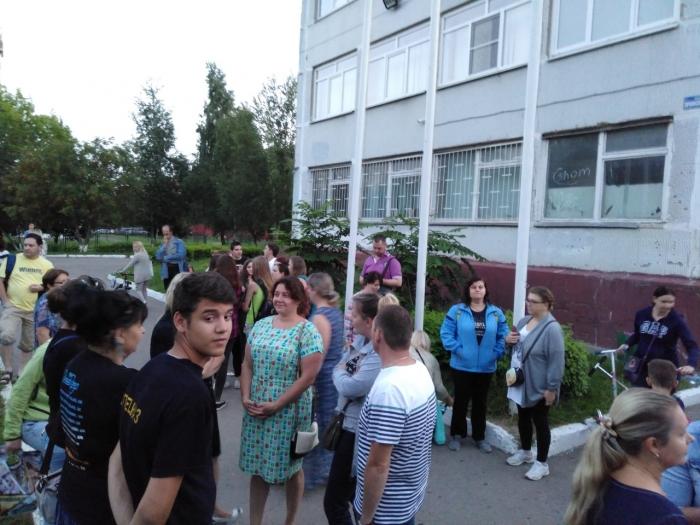 Подольские коммунисты отстояли школу