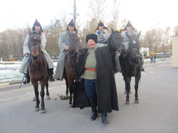 Королёв празднует столетие Октября
