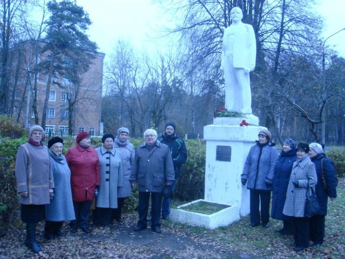 Коммунисты Красноармейска отметили юбилейную дату