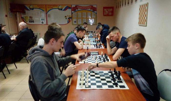 В Серпухове прошел шахматный турнир, посвящённый 100-летию Великого Октября