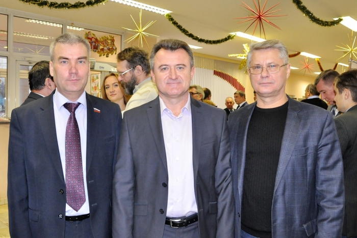 Пленум МК КПРФ провел смотр сил перед президентской кампанией лидера КПРФ Геннадия Зюганова